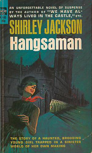Paperback, Ace Paperbacks 1964. Her med et fedt, men helt misvisende cover. Forsiden forsøger tydeligvis at tilpasse romanen tidens gotiske bølge