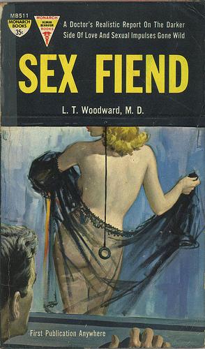 Paperback, Monarch Books 1961. Den belurede kvinde er også et tema, som jeg skal vende tilbage til