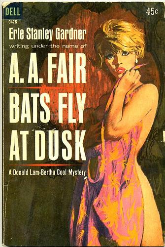Paperback, Dell Books 1963. Den her forside er måske en af de bedste. Sexy as hell siger jeg bare