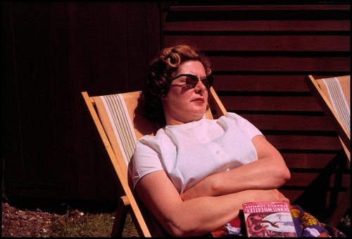 Mor får en lur efter Wheatley-læsning. Foto 1966