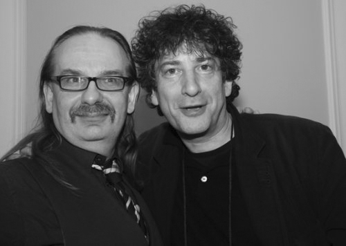 Kim Newman (Kim Newman (født 31. juli 1959) og Neil Gaiman (Neil Gaiman (født 10. november 1960)