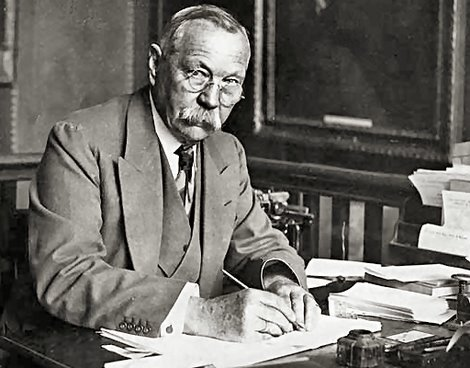 Sir Arthur Ignatius Conan Doyle (22. maj 1859 – 7. juli 1930)