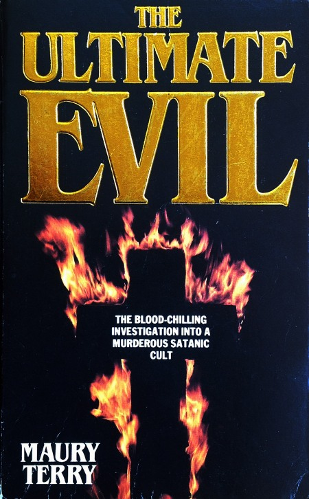 Paperback, Grafton Books 1989. 800 siders satanisk konspirationsteori