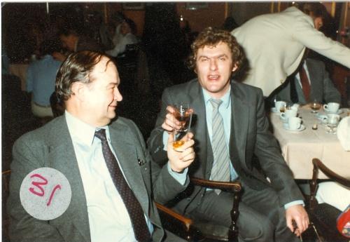 Bjarne Castella m ed direktør Holdt Hansen på Aller1986