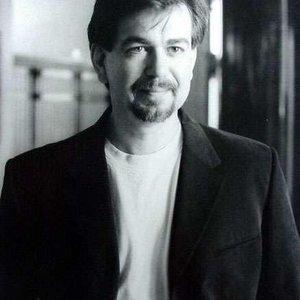 Douglas E. Winter (født 30. oktober 1950)