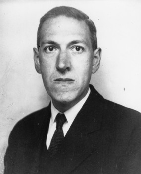 Howard Phillips Lovecraft (20. august 1890 – 15. marts 1937)  fotograferet i 1934