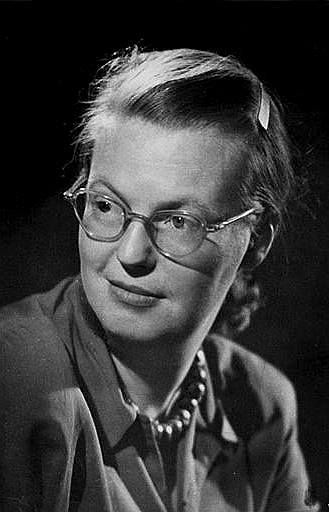 Shirley Hardie Jackson (14. december 1916 – 8. august 1965)