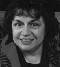 Julian Clare May (født 10. juli 1931)