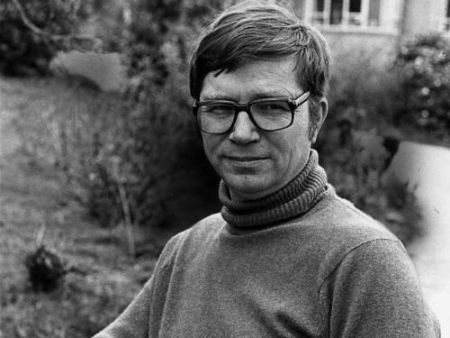 Colin Henry Wilson (26. juni 1931 – 5. december 2013)